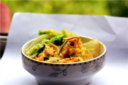 喷香的电饭锅焖饭,简单一人食的快速做法