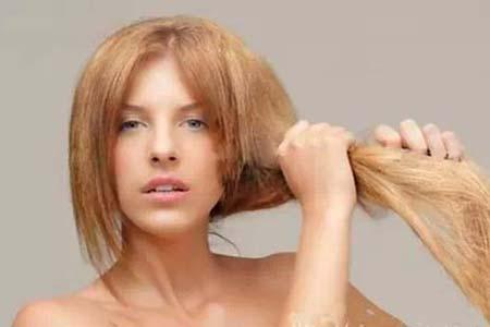 头发分叉很毛躁,这几个方法让你秀发靓丽又柔顺